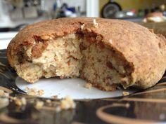 Längst kein Geheimtipp mehr: leckerer, selbstgemachter Nusskäse, wie der hier von Michelle, kommt bei immer mehr Veganern aufs Brot. http://laveganee.blogspot.de/2013/02/vegan-wednesday-11.html