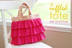 A Ruffled Tote (aka: Elli's Church Bag)