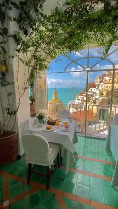 Vacation Places, Dream Vacations, Vacation Trips, Honeymoon Destinations, Beautiful Places To Travel, Beautiful Hotels, Italy Honeymoon, Travel Aesthetic, Luxury Living