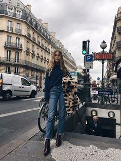 January must-haves, coats, scarves, statement coats, statement sweaters, transitional sweaters,fine-knit sweater, Jil Sander Navy, art of style, street style January 2017, Spring 2017, fashion inspiration