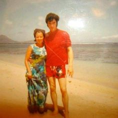 """Chance encounter with fan on a lonely beach during Elvis's holidays in Hawaii in October 1969. The woman is a Ms. Rosentheen according to information given in the deluxe edition of the book """"Elvis A. Presley: Die Musik, Der Mensch, Der Mythos"""" by Marc Hendrickx, published in 2002."""
