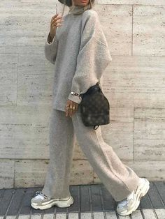 Winter Fashion Outfits, Hijab Fashion, Autumn Winter Fashion, Winter Outfits, Suit Fashion, Mode Outfits, Casual Outfits, Hot Suit, Mode Kpop