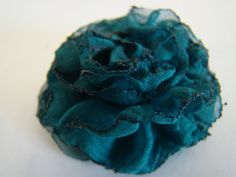 DSC00616 512x384 Fabric Flower Tutorial #3   Gathered Raw Edge Flower