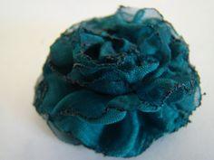 DSC00616 512x384 Fabric Flower Tutorial #3   Gathered Raw Edge Flower