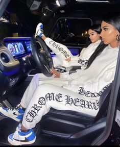 Cute Lesbian Couples, Chrome Hearts, Friend Goals, Have Time, Pretty Girls, Baby Car Seats, Bond, Sisters, Girl Outfits