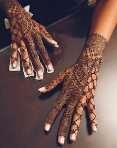 Henna Hand Designs, Wedding Henna Designs, Beautiful Henna Designs, Mehndi Art Designs, Henna Tattoo Designs, Indian Wedding Henna, Modern Henna Designs, Tattoo Ideas, Henna Tatoos