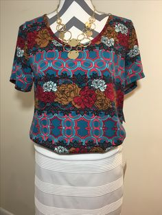 LuLaRoe White Cassie with beautiful Classic T