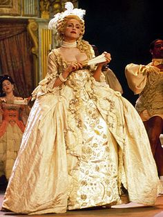 Madonna channels Marie Antoinette in her 1990 MTV Music Awards Performance Madonna Vogue, Madonna 90s, Madonna Fashion, Madonna Photos, Madonna Music, Madonna Outfits, Recycled Costumes, 18th Century Dress, Beautiful Costumes