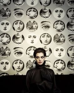 Anne Hathaway - and what I hope is amazing wallpaper I can one day emulate.