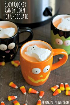 Slow Cooker Candy Corn Hot Chocolate - Non-Alcoholic Halloween Drinks - Photos Halloween Drinks, Halloween Food For Party, Halloween Desserts, Easy Halloween, Halloween Treats, Halloween Celebration, Halloween Cookies, Halloween 2015, Fall Desserts