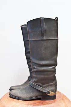 GOLDEN GOOSE. CHARLYE RIDING BOOT. totally in love.