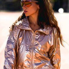 Linda Farrow #PL76C3SUN no editorial para a revista @projecteurscannes Style: @margarita_kiseleva  Modelo: @erika_boldrin  Makeup: @makeupbykellymcclain  #innovaoptical #lindafarrow #lindafarrowgallery #oculosdesol #sunglasses #design #weselldesignforliving