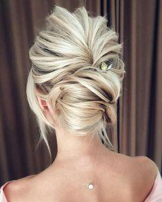 Updo hairstyel