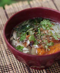Vietnamese Chicken Noodle Soup (Pho Gà)
