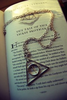 Harry Potter and the Deathly Hallows. Always a fav. Harry Potter Tumblr, Harry Potter Pictures, Harry Potter Quotes, Mundo Harry Potter, Harry Potter World, Hogwarts, Hery Potter, Wallpaper Harry Potter, Harry Potter Background