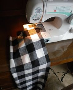 Morris Mommy Mania blog on how to make infinity scarf