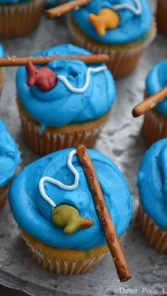 Easy Fishing Pole Cupcakes…these are the BEST Cupcake Ideas! Easy Fishing Pole Cupcakes…these are the BEST Cupcake Ideas! Fishing Cupcakes, Fishing Theme Cake, Swedish Fish, Think Food, Cute Food, Eat Cake, Kids Meals, First Birthdays, Cupcake Cakes