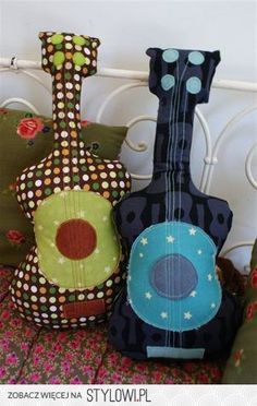 Guitar Pillows, Picture Inspiration (No Pattern, No Tutorial) Diy And Crafts, Crafts For Kids, Arts And Crafts, Fabric Crafts, Sewing Crafts, Craft Projects, Sewing Projects, Diy Couture, Cute Pillows