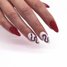 """If you're unfamiliar with nail trends and you hear the words """"coffin nails,"""" what comes to mind? It's not nails with coffins drawn on them. It's long nails with a square tip, and the look has. Ongles Gel Halloween, Halloween Nails, Prom Nails, Wedding Nails, Goth Nails, Nagel Piercing, How To Do Nails, Fun Nails, Gel Nagel Design"""