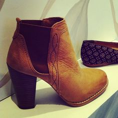 Nice sexy boot  - I may kill myself with these!