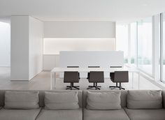 Afbeelding van http://www.interioresminimalistas.com/wp-content/uploads/2013/02/Deinze-Minus-Arne-Jennard-2.jpg.