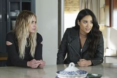 Pretty Little Liars - Episode 7.10 - The DArkest Knight - Promo Promotional Photos & Press Release