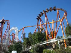 Six Flags Magic Mountain - California six_flags_magic_mountain_004.jpg (700×525)