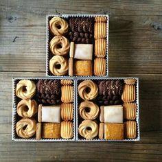 Dessert Packaging, Bakery Packaging, Cookie Packaging, Cookie Gift Boxes, Cookie Gifts, Food Gifts, Christmas Cookies Packaging, Xmas Cookies, Christmas Sweets