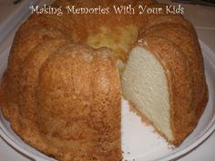 Grandmother Paul's Sour Cream Pound Cake - Making Memories With Your Kids Cake Recipes For Kids, Pound Cake Recipes, Baking Recipes, Dessert Recipes, Almond Pound Cakes, Cream Cheese Pound Cake, Sour Cream Cake, Bunt Cakes, Cupcake Cakes