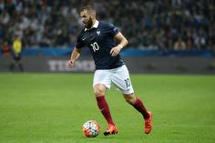 Foot - Bleus - Karim Benzema attend des explications de Didier Deschamps et Noël Le Graët                                                                                                                                                        http://www.lequipe.fr/Football/Actualites/Karim-benzema-attend-des-explications-de-didier-deschamps-et-noel-le-graet/787791#xtor=RSS-1