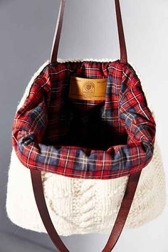 soft sweater-knit tote bag - love the plaid interior!