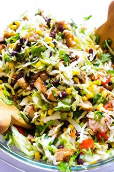 Chopped Southwestern Salad - A Dash of Sanity - Recipes Chicken Pesto Pasta Salad, Pizza Pasta Salads, Avocado Pasta, Pasta Salad Italian, Salads For A Crowd, Summer Salads With Fruit, Chopped Salad Recipes, Chopped Salads, Mexican Chopped Salad