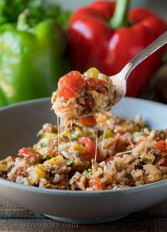 My family LOVED this super easy Ground Beef Stuffed Pepper Skillet. It was like regular stuffed pepper filling made in just one pan! Ravioli, Best Stuffed Pepper Recipe, Chili Pasta, Ground Beef Stroganoff, Bacon, Skillet Dinners, Skillet Recipes, Casserole Recipes, Beef And Rice