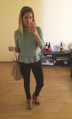 Blusa Jean, pantalón negro