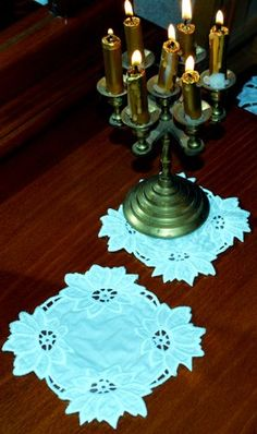 This free embroidery design is a cutwork lace poinsettia doily.  Thanks to Advanced Embroidery Designs for posting it.