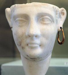Cleopatra III ( Württembergisches Landesmuseum , Stuttgart).