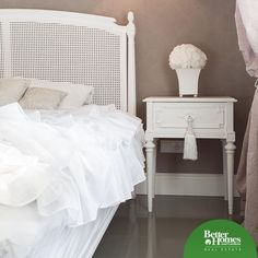 Want to spruce up an old nightstand for under five bucks? Add a tassel to the drawer handle and prepare to be wowed! Decorating On A Dime, Drawer Handles, Better Homes And Gardens, Nightstand, Tassel, Drawers, Home And Garden, Real Estate, Home Decor
