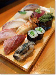 Sushi platter from Okinawa, Japan 島のお寿司