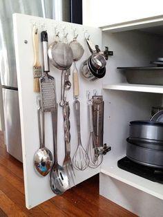 Pendure os utensílios domésticos