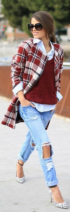 Fashionista: Walking Style Stars (don't care for the torn jeans but everything else is great)