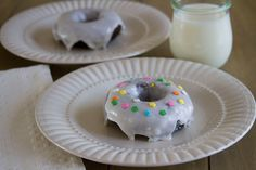 Yes, please... Chocolate Glazed Doughnuts from @Tracy | Sugarcrafter