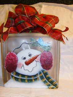 Painting Glass Blocks Holidays Ideas For 2019 Christmas Glass Blocks, Christmas Snowman, Christmas Ornaments, Christmas Wood, Christmas Signs, Painted Glass Blocks, Lighted Glass Blocks, Decorated Glass Blocks, Snowman Crafts
