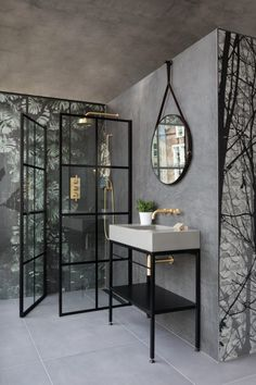 Give your bathroom an urban edge with a crittall-style shower screen. Here are our favourite Crittall-style shower screens in the UK. Loft Bathroom, Modern Bathroom, Small Bathroom, Bathroom Showers, Bathroom Ideas, Black Bathrooms, Shower Rooms, Bathroom Taps, Minimalist Bathroom