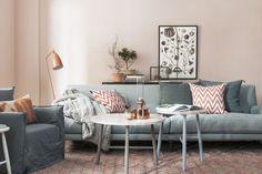 persikofärgad vägg vardagsrum koppar