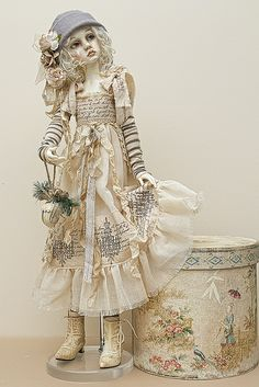 Dollstown Amy by jeanoak, via Flickr. Panenky. Куклы. Ручная работа. Фарфор. Porcelain. Handmade. Porcelán. Ruční práce. Наряды из шелка. Silk dresses decorated with beads. Hedvábné šaty zdobené korálky.