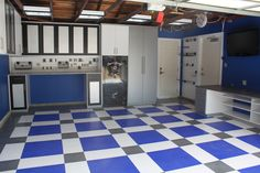 Modern Garage And Shed Design, Pictures, Remodel, Decor and Ideas - page 3 Brick Flooring, Grey Flooring, Bedroom Flooring, Concrete Floors, Hardwood Floors, Wooden Flooring, Farmhouse Flooring, Unique Flooring, Rubber Flooring