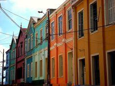 Casas coloridas em Valparaiso by Fabio Penna, via Flickr