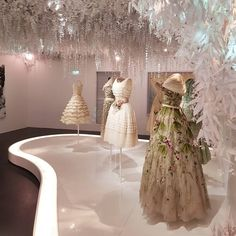 Dior @dior at Les Arts Décoratifs #dior #hautecouture #couture #coutureweek #fashion #lesartsdecoratifs #beauty #paris #french #france #europe #european #chrisitandior