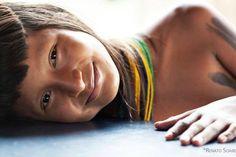 http://portalamazonia.com/cultura/fotografo-viaja-pelo-brasil-para-registrar-300-etnias-indigenas#at_pco=smlwn-1.0&at_si=5a0b20aa818e0d7d&at_ab=per-2&at_pos=0&at_tot=1