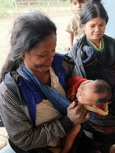 Meet Yai, a Mom who used our Clean Birth Kits - CleanBirth - Saving Mothers and Babies in Laos Baby Shower Hostess Gifts, Baby Shower Cards, Losing A Baby, Infant Mortality, Hero Girl, Save The Children, Baby Health, Mother And Baby, Mom Blogs